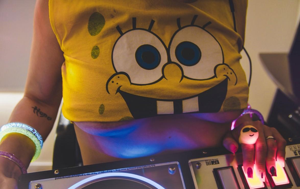 DJ QUEEN